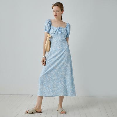 范洛 2020新款淡蓝色印花温柔复古方领泡泡袖法式长裙连衣裙女夏