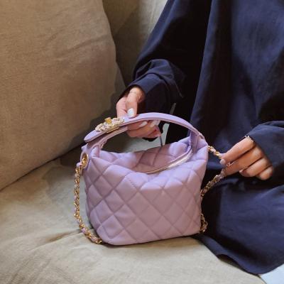 小优家包包 棉花糖紫 菱格链条水桶包女包包2020新款潮单肩斜挎包