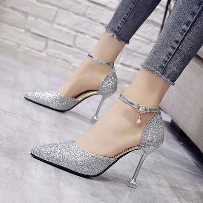 凉鞋女夏2020新款猫跟尖头高跟鞋细跟一字扣亮片银色女鞋百搭