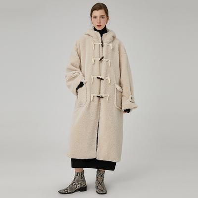范洛 2019冬新款款颗粒绒宽松休闲仿羊羔毛皮毛一体牛角扣外套女