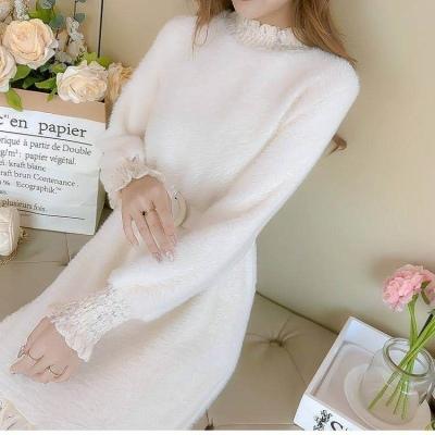 半高领连衣裙女2020秋冬新款韩版中长款蕾丝拼接时尚毛绒打底衫女