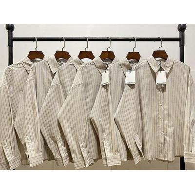 21FW 榛果拿铁 英伦学院风竖条纹贝壳扣长袖衬衫